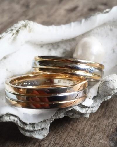 wit- en geelgouden trouwringen met diamant