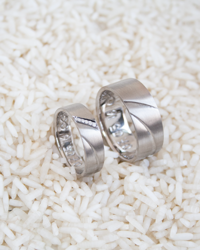 witgouden trouwringen met diamanten