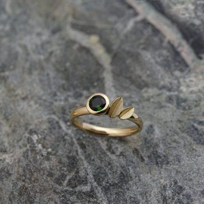14 karaat geel gouden ring met toermalijk