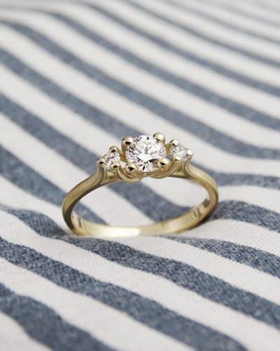 18 karaat geel gouden verlovingsring met diamanten